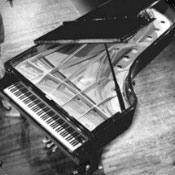 Whisperings Solo Piano Radio